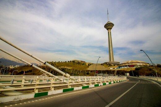 برج میلاد تهران، زیپ لاین و اتاق فرار برای اهل هیجان