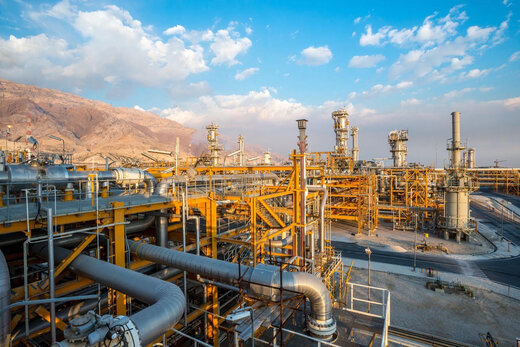 کشف چهار میدان نفتی در ایران