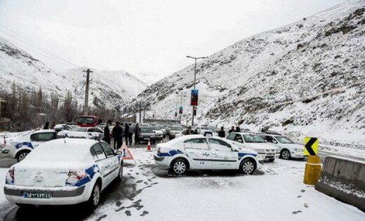 هشدار پلیس درباره بارش برف در محورهای کوهستانی/ محدودیت و ممنوعیتهای تردد در جادههای کشور