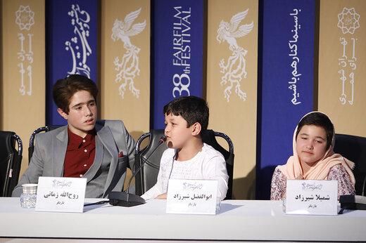 عکس جواد عزتی کنار بازیگر جنجالی «خورشید»