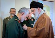 خاطرهای جالب از تلاش سردار سلیمانی برای عدم دریافت بالاترین نشان نظامی