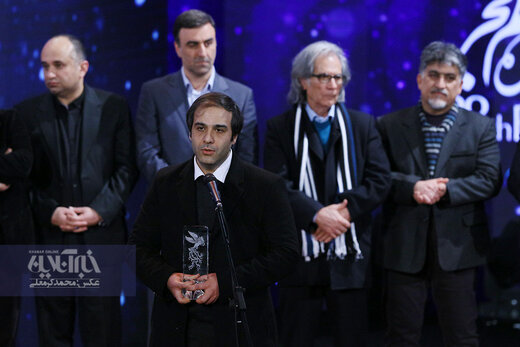 امیر بنان برنده سیمرغ بهترین فیلم در اختتامیه سی و هشتمین جشنواره فیلم فجر برای فیلم «خورشید»