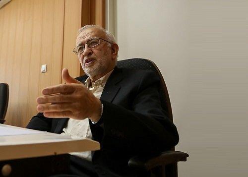 پاسخ بهشائبهای دربارهخط دادنسیداحمد خمینی به امام /نبوی: منافقین سعی میکردند مواضع امام را به حاج احمد آقا نسبت دهند /او فدایی و امین پدر بود