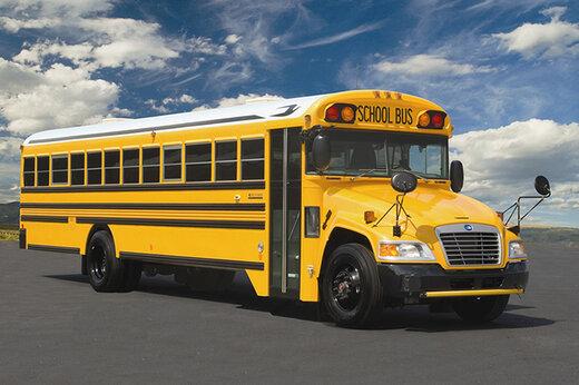 ببینید | لحظه وحشتناک تصادف اتوبوس مدرسه و یک خودرو در آمریکا