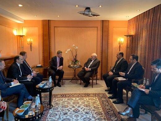 وزیر خارجه با همتای چکی خود دیدار کرد