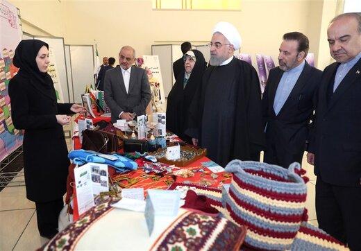 تصویری از بازدید رئیسجمهور از نمایشگاه توانمندیهای زنان