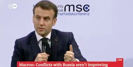 مکرون: غرب ضعیف شده؛ با مسکو گفتگو می کنیم