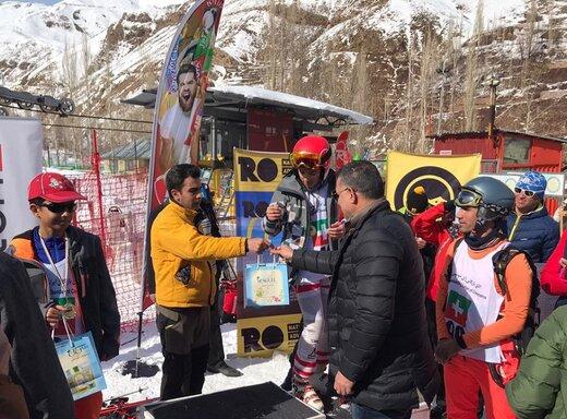 علی دایی در مسابقه خیریه اسکی/ عکس