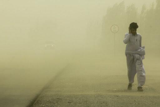 گردوخاک کویر لوت،  دید افقی سیستان و بلوچستان به ۶۰۰ متر کاهش داد