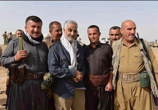 ماجرای عکس معروف کُردها با سردار سلیمانی /سرتیپ بختیار: داعش میخواست زنان و دختران ما را به کنیزی ببرد