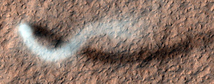 ثبت عکس از گردباد شیطان در مریخ برای اولین بار