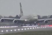ببینید | مهارت دیدنی خلبان «ای 380» هنگام فرود در طوفان در فرودگاه لندن