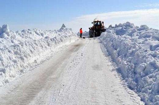 ببینید | ارتفاع یک متری برف در پیرانشهر