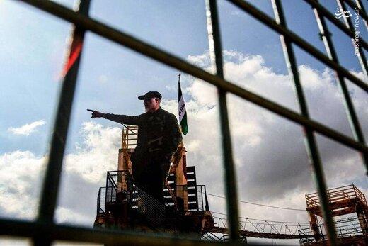 پسران سردار سلیمانی در مرز لبنان و فلسطین /پیام تندیسی معنادار از حاج قاسم با پرچمی در پشت سر +عکس
