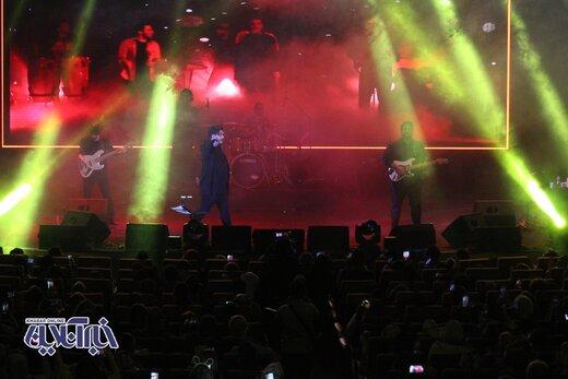 کنسرت آرون افشار در سی و پنجمین جشنواره بین المللی موسیقی فجر
