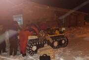 تداوم توزیع نان در روستاهای محصور در برف آذربایجان شرقی