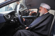ببینید | رئیس جمهور پشت فرمان خودرو جدید ملی