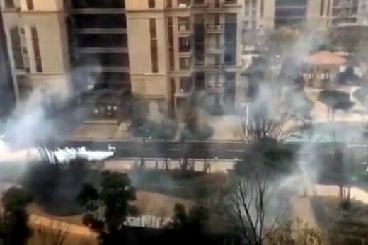 ببینید   عملیات بزرگ سمپاشی خیابانها در چین برای مقابله با شیوع کرونا