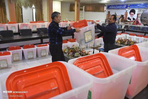آماده سازی صندوقهای اخذ رای انتخابات مجلس شورای اسلامی