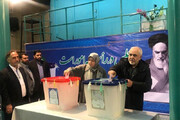ببینید | چهرههای سرشناس سیاسی و اجتماعی که در دقایق اولیه رای دادند