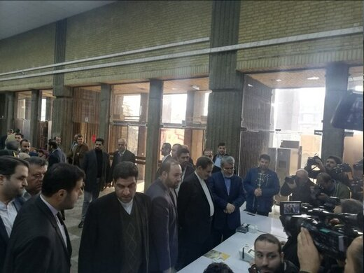 جهانگیری و آیتالله جنتی رأی خود را به صندوق انداختند /حضور آملی لاریجانی و کدخدایی پای صندوق رای