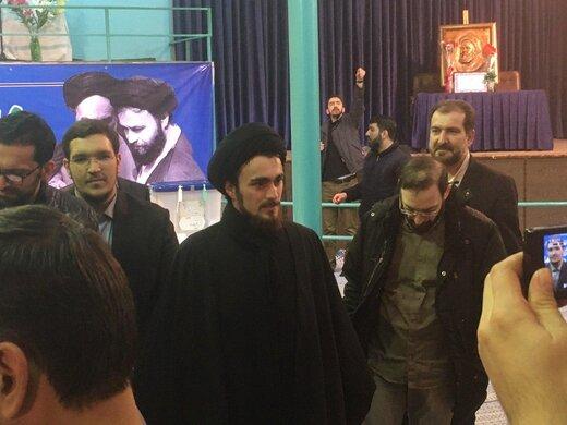 عکسی از پسر سیدحسن خمینی در پای صندوق رأی /دختر امام راحل هم رأی داد /یاسر خمینی هم آمد