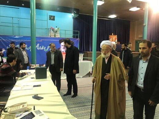 امام جمعه موقت تهران هم رأی داد /وکیلی: مردم نسبت به سرنوشت خود ارزانفروشی نکنند /غرضی: چرا به لیستها رأی میدهید
