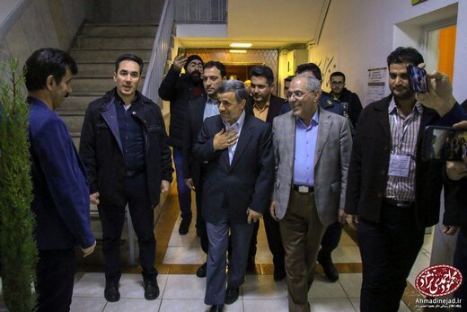 ببینید | شوخی خنده دار سعید آقاخانی با تکیه کلام معروف محمود احمدی نژاد!