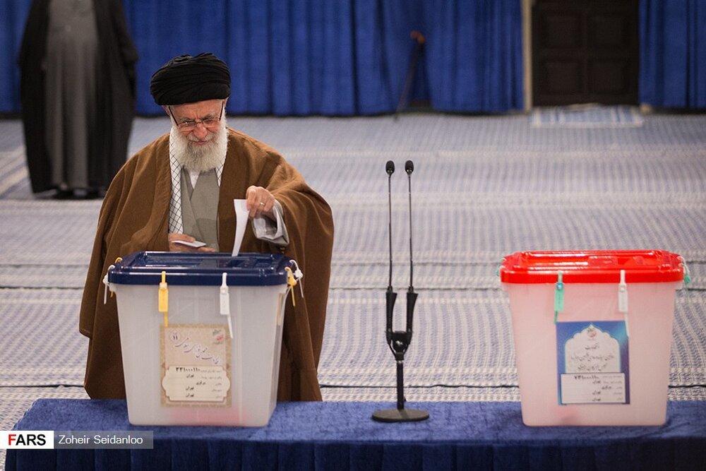 قائد الثورة: الانتخابات تجسد المصالح الوطنية للبلاد