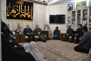 تصویری از دیدار فرمانده کل سپاه با خانواده شهیدان پاشاپور و زمانینیا