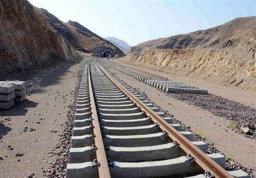 تفاهم نامه تامین ریل ملی راه آهن چابهار- زاهدان با حضور دو وزیر امضا شد