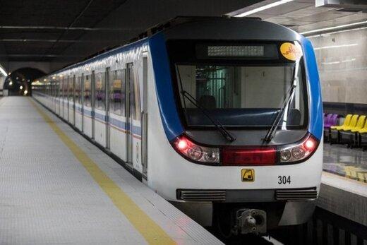 اتخاذ تدابیر بهداشتی در مترو تبریز برای مواجهه با کرونا