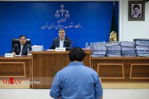 تصاویری از سومین جلسه رسیدگی به اتهامات روح الله زم