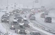 112 هزار کیلومتر باند برف روبی در محورهای مواصلاتی استان اردبیل
