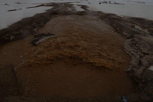 سیلاب زمینهای کشاورزی کوهرنگ را تخریب کرد