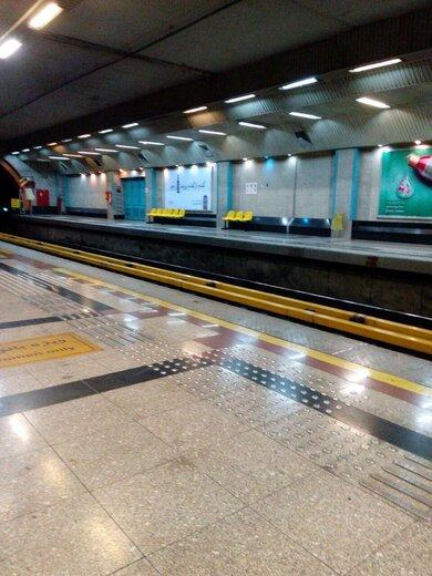 روزگار خلوت ایستگاههای متروی تهران