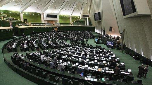 درخواست ۱۰۱ نماینده مجلس برای تشکیل روزانه جلسات ستاد ملی مبارزه با کرونا به ریاست روحانی
