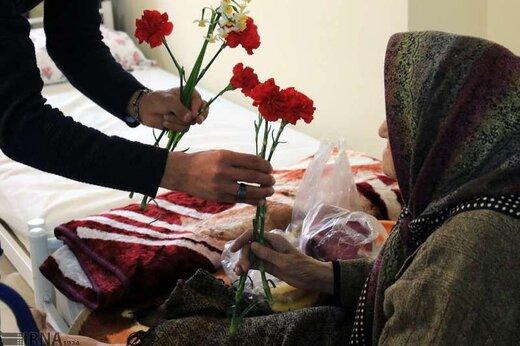 ملاقات با ساکنان خانه سالمندان ممنوع شد