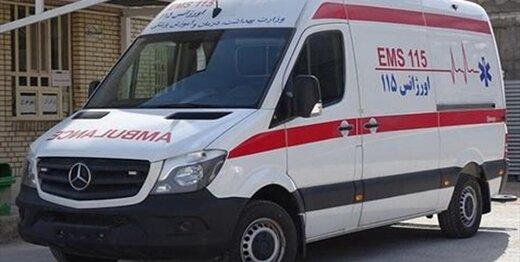 برخی از مسئولان با آمبولانس تردد میکنند