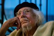 درگذشت شاعر انقلابی که میخواست دنیا را تغییر دهد