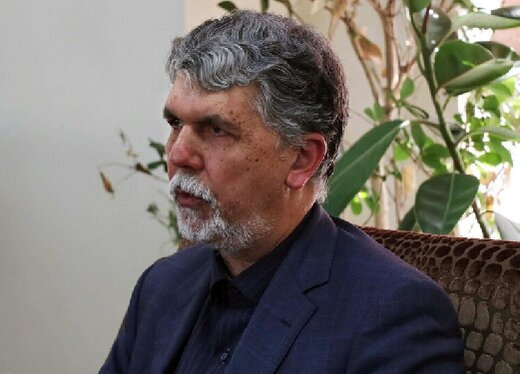 وزير الثقافة الايراني: الاقلام والكاميرات الى جانب الكوادر الطبية