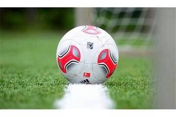 تصویر ویژه AFC از سواحل هرمزگان؛توپ پلاستیکی و دخترک فوتبالیست/عکس