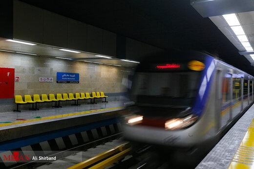 کاهش شدید تعداد مسافران مترو پس از شیوع کرونا در تهران