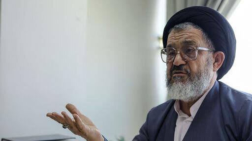 اکرمی: مردم ناراضی نیستند، ناراحتند /مردم دیگر به دنبال کاندیدای اصولگرا یا اصلاح طلب نیستند