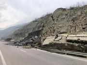 ببینید | ریزش کوه در فاز 4 آزادراه تهران-شمال