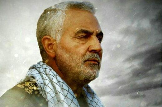 ببینید | فیلمی منتشر نشده از حضور شهید سلیمانی در قلعه پالمیرا پس از شکست داعش