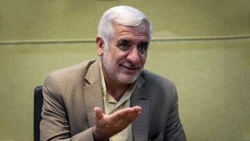 احمدینژاد، سنت بدی را در مناظرات بنیان گذاشت/بهتر بود مناظرهها «دو به دو» برگزار میشد
