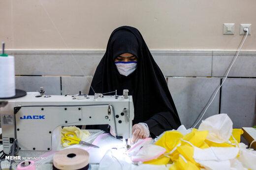 دانش آموزانی که ماسک تولید میکنند
