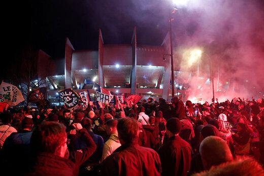 ببینید | شادی ۳ هزار نفری در پاریس با ماسک جنگ های شیمیایی!