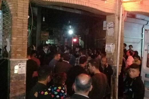 ببینید |ویدئوی عجیب از ازدحام جمعیت در محل قتل طلافروش دزفولی